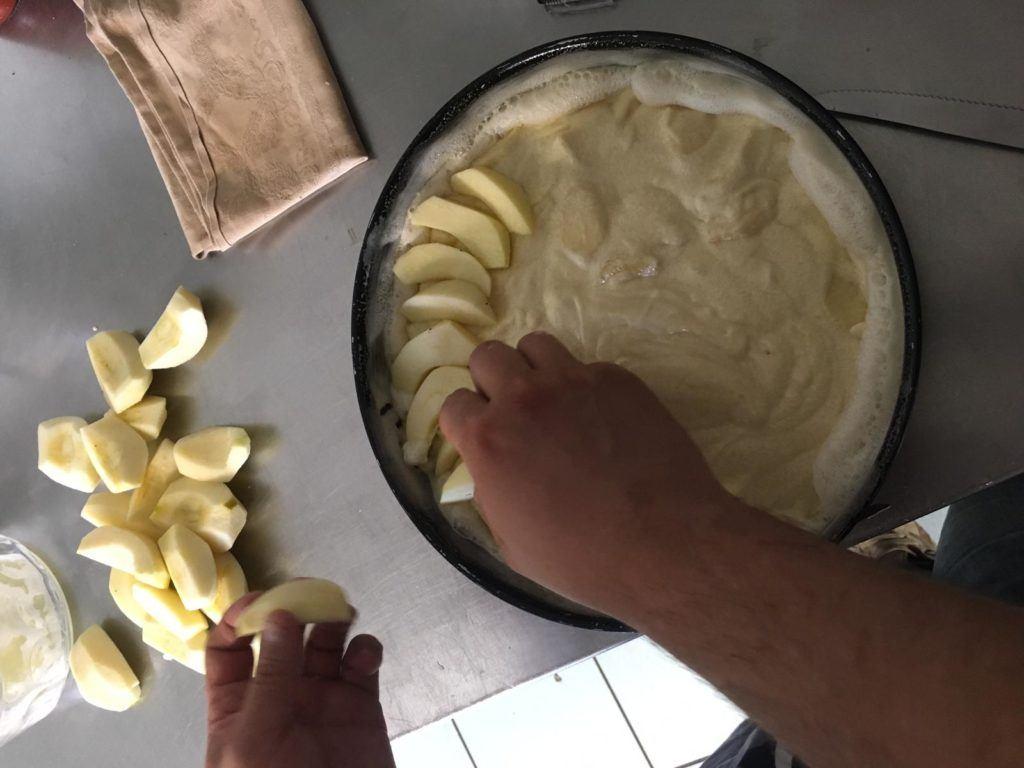 preparazione-torta-di-mele